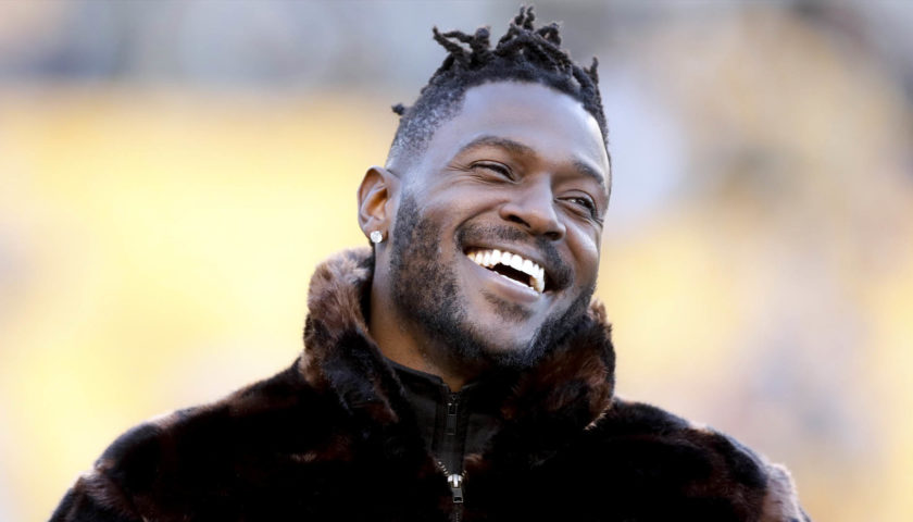 Antonio Brown At Raiders Facility But His Blonde Mustache
